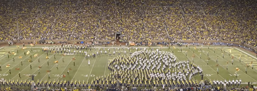 state of michigan u of m michigan state halftime